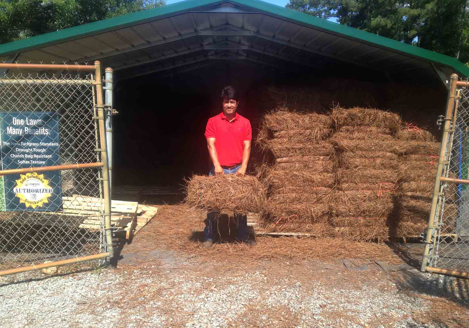 Storage-area-for-pine-straw